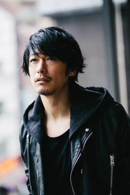 Japanese Messy Dark Hair Ideas for Men
