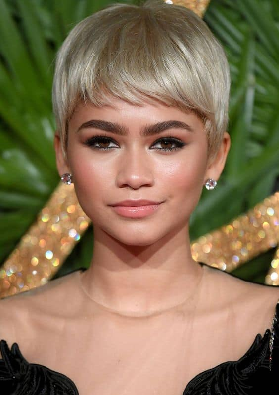 BLONDE PIXIE CUT FOR ROUND FACE